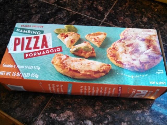 trader-joes-bambino-pizza-formaggio-2.jpg